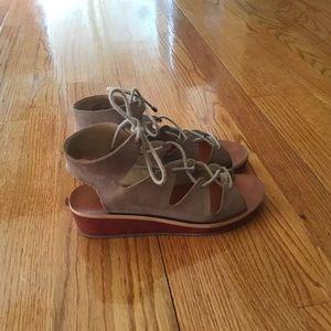 Size 6.5 Women's Lucky Brand Sandals